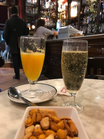 Café San Jaume, El Carmen, Agua de Valencia, Cava, Paella, Arroz, Ubik Café, Russafa, Ruzafa, Bodega LaPeseta, Bodega Casa Montaña, Cabanyal, Valencia, Spain, España, tapas, eating, drinking, books, bookshop, food, drink, café, bar, local, music, people, travel, travel with kids, language, family travel, wanderlust, travel bug, traveling, blog, travelogue.