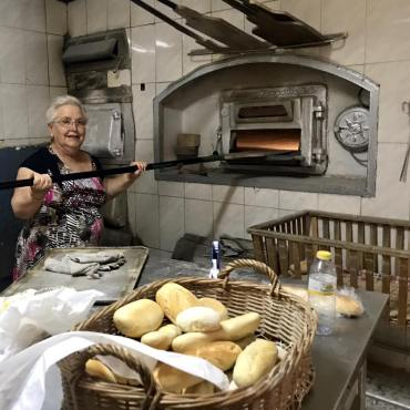 bread, panadería, bakery, kitchen, baking, cooking, algodonales, pueblo blanco, white village, Andalucía, España, Spain, people, local life, kindness