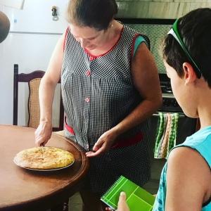 tortilla, tortilla de patatas, Spain, Andalucía, Spanish food, tapas, good food, cooking, home cooking, kitchen, eggs, eggah, kuku.